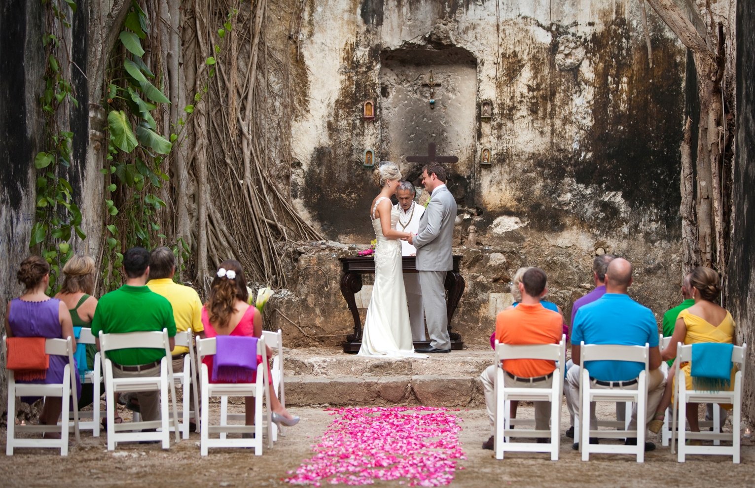 FOR MORE INFORMATION OR GUIDANCE ON DESTINATION WEDDINGS IN MEXICO